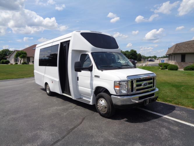 2022 Berkshire Coach Ultra 24 Ford 14 Passenger Shuttle Bus Passenger side exterior front angle-BERK2126-1