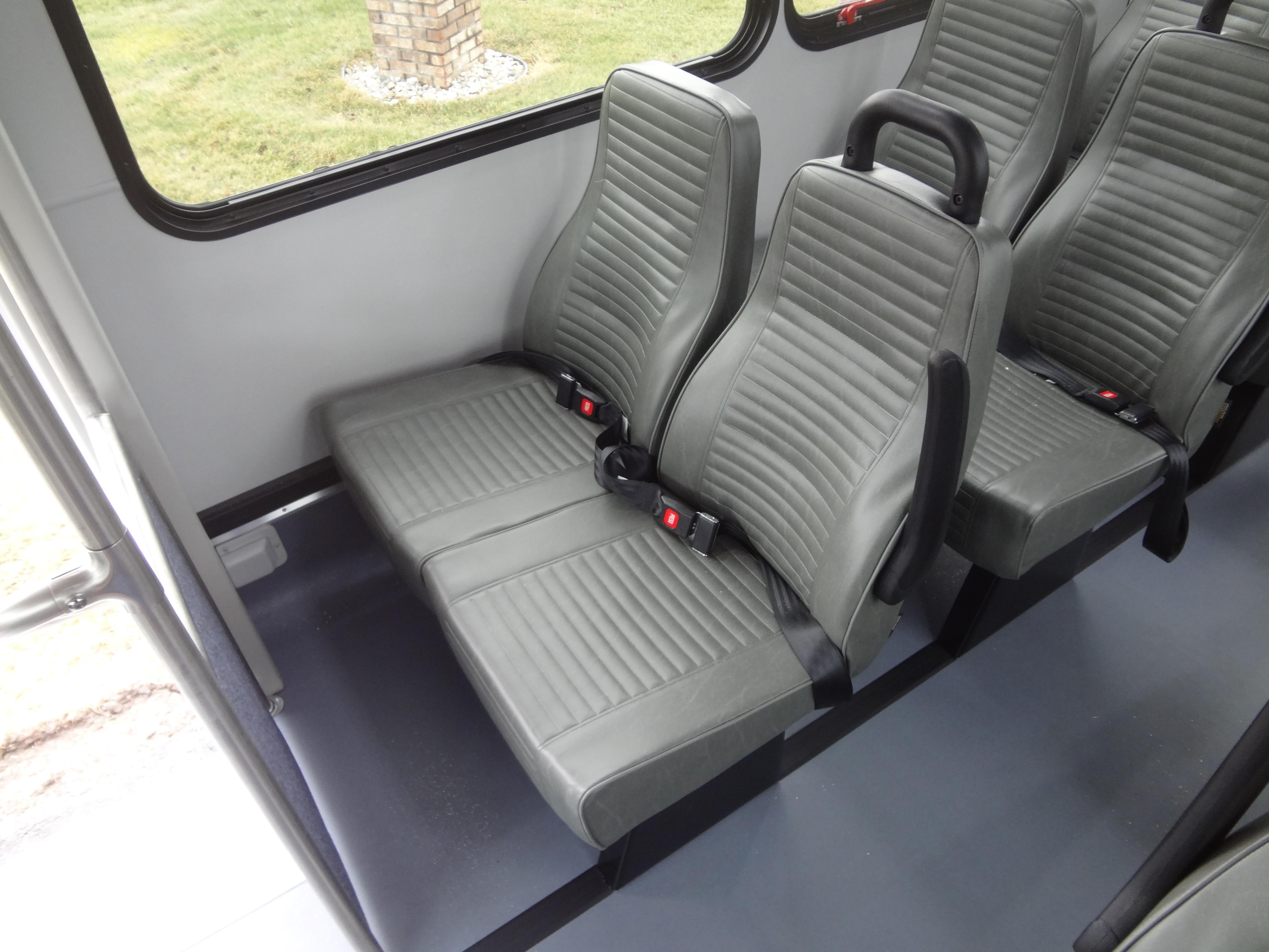 2018 Glaval Universal Ford 24 Passengers and 2 Wheelchairs
