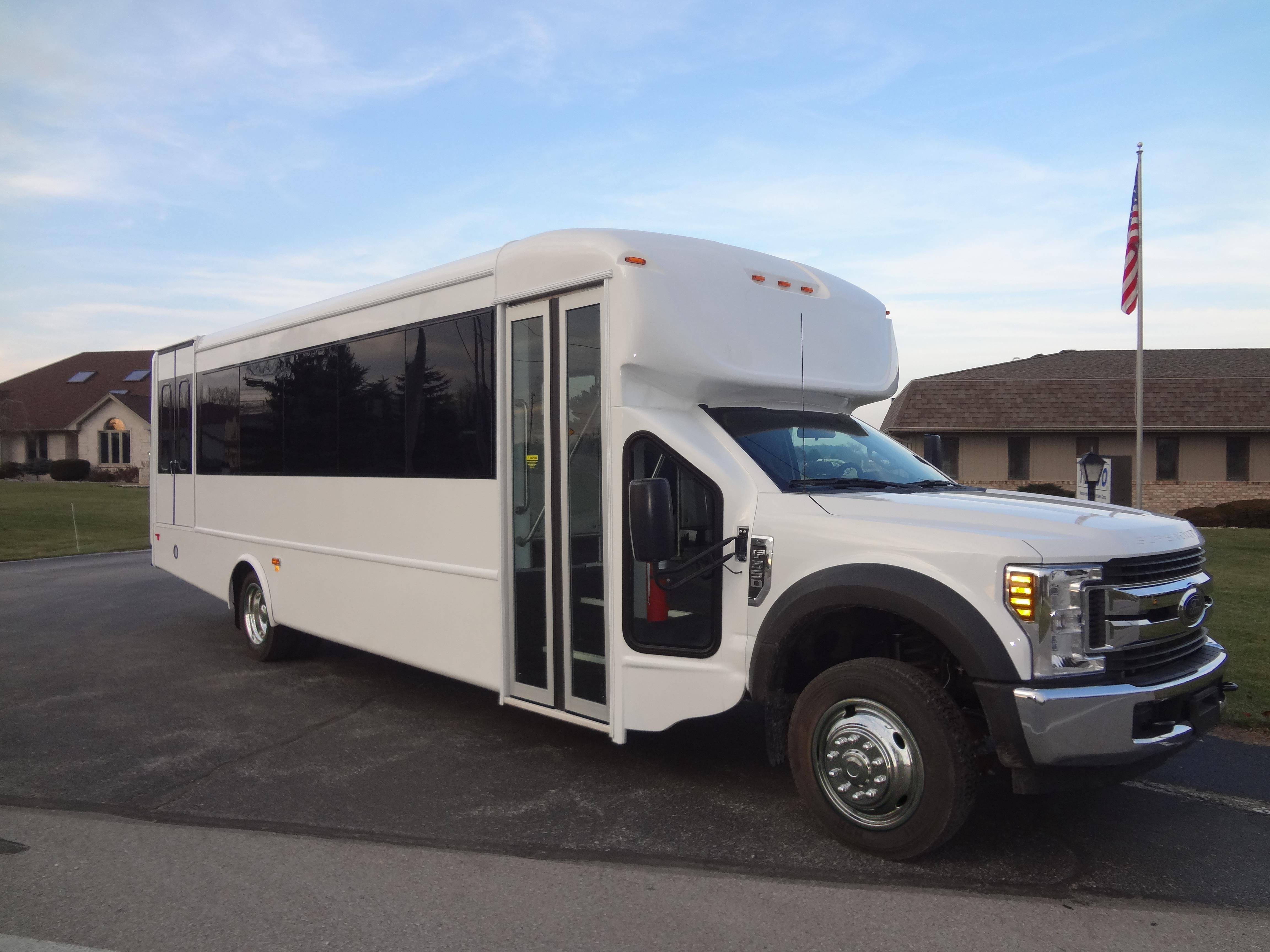 2019 StarTrans Senator II HD Ford 24 Passenger and 2 Wheelchair Shuttle BusTESCO Bus