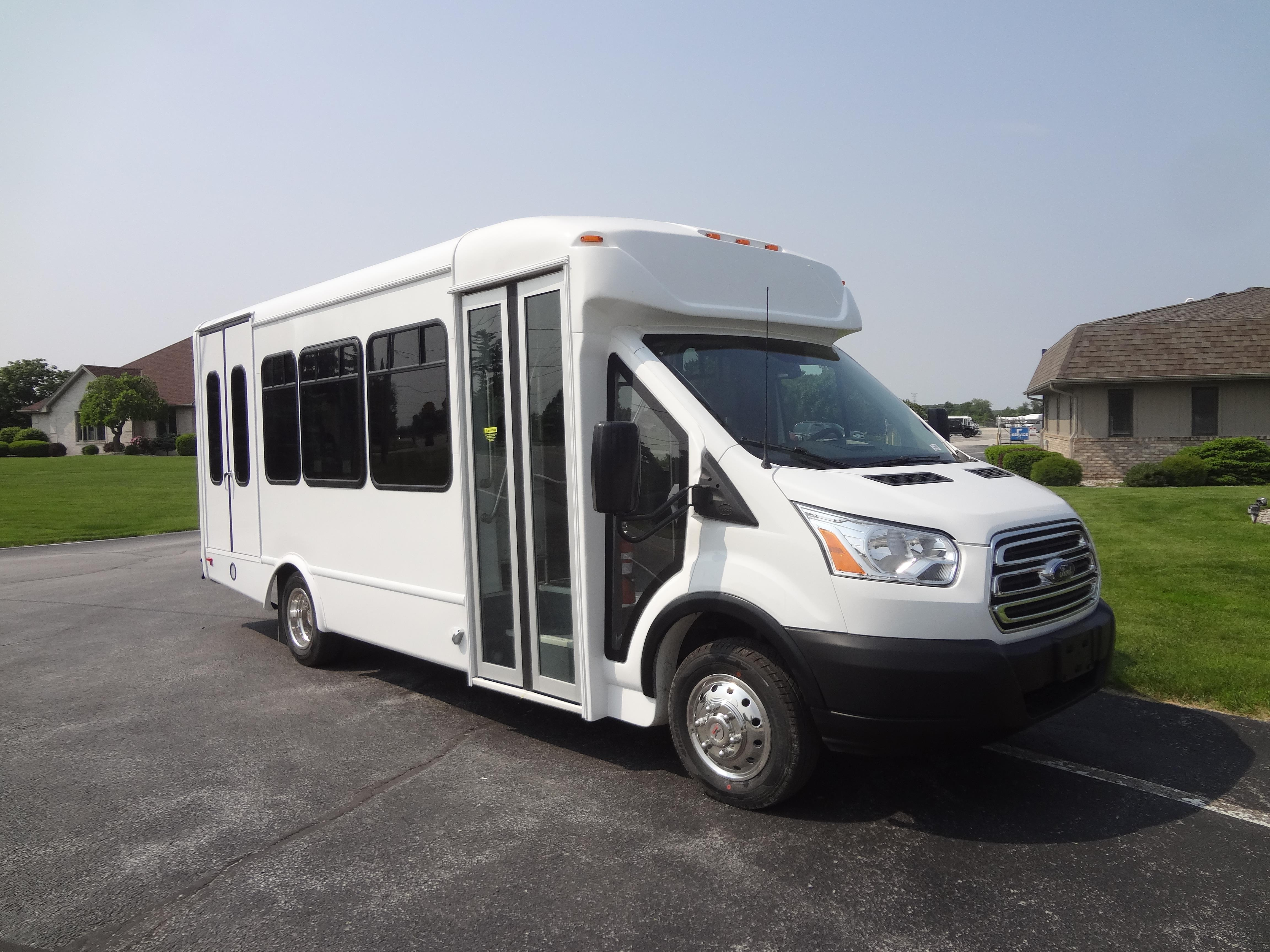 2019 StarTrans Candidate II Ford 11 Pengers and 2 Wheelchairs on