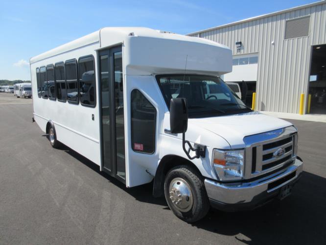 2015 Turtle Top Ford E450 25 Passenger Shuttle Bus Passenger side exterior front angle-09031-1