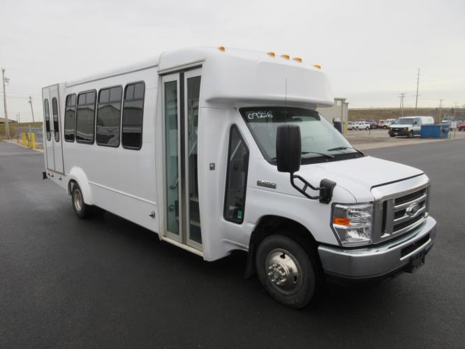 2017 Elkhart Coach Ford 18 Passenger and 2 Wheelchair Shuttle Bus Passenger side exterior front angle-09226-1