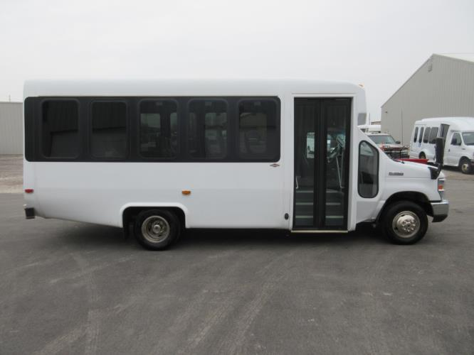 2016 Diamond Coach Ford E350 14 Passenger Shuttle Bus Driver side exterior front angle-09278-2