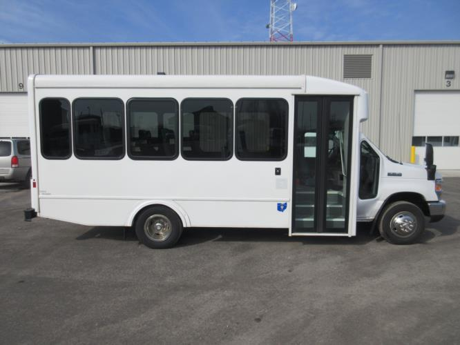 2017 Turtle Top Ford E350 14 Passenger Shuttle Bus Driver side exterior front angle-09326-2