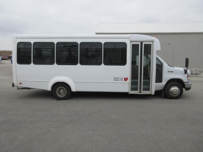 2019 Elkhart Coach Ford E450 25 Passenger Shuttle Bus Driver side exterior front angle-09528-2