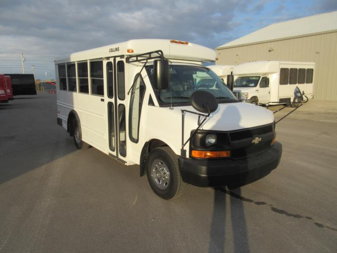 2008 Collins Chevrolet 14 Passenger Child Care Bus Passenger side exterior front angle-09844-1