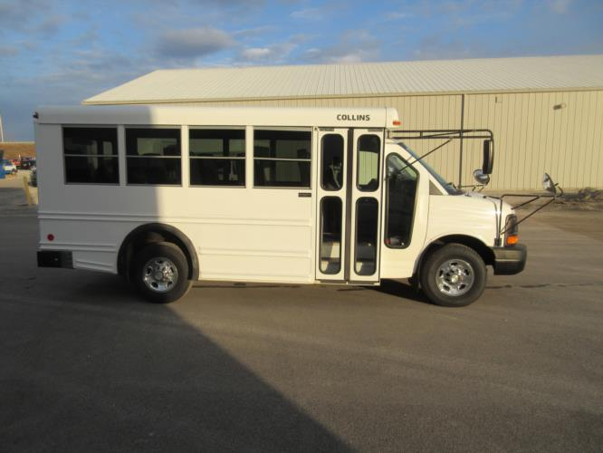 2008 Collins Chevrolet 14 Passenger Child Care Bus Driver side exterior front angle-09844-2
