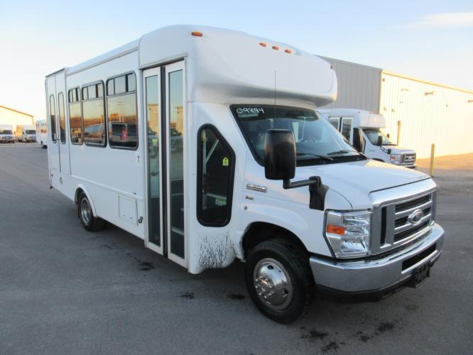 2016 Starcraft Ford E350 0 Passenger and 6 Wheelchair Shuttle Bus Passenger side exterior front angle-09894-1