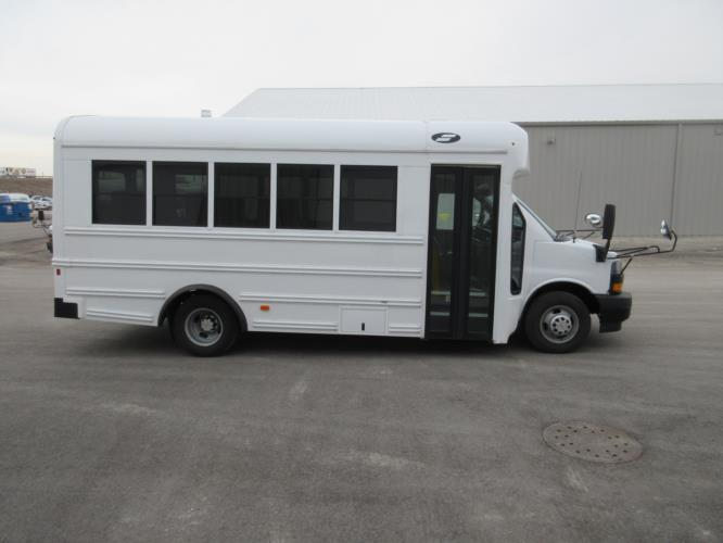 2018 Starcraft Chevrolet 14 Passenger Child Care Bus Driver side exterior front angle-09977-2