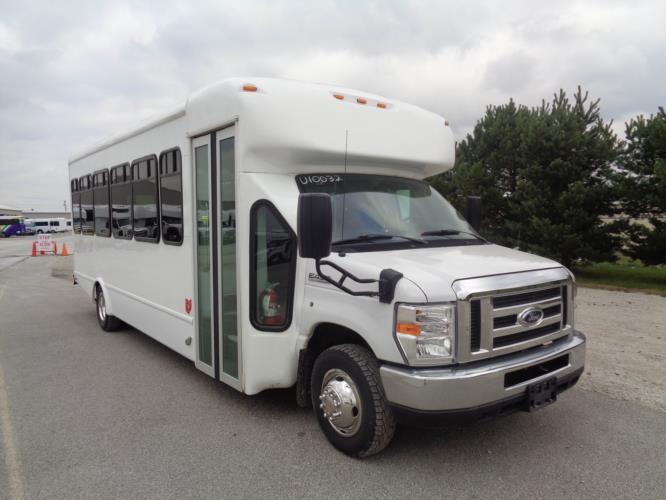 2017 StarTrans Ford 28 Passenger Shuttle Bus Passenger side exterior front angle-U10032-1
