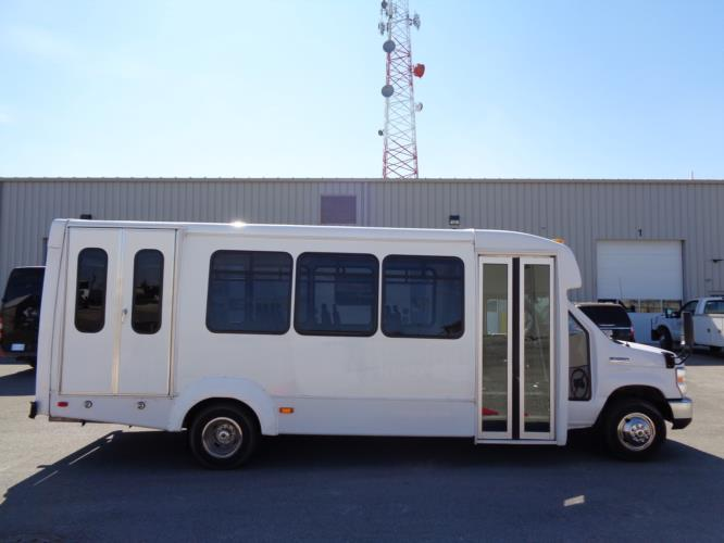 2017 Elkhart Coach Ford 16 Passenger and 2 Wheelchair Shuttle Bus Driver side exterior front angle-U10054-2
