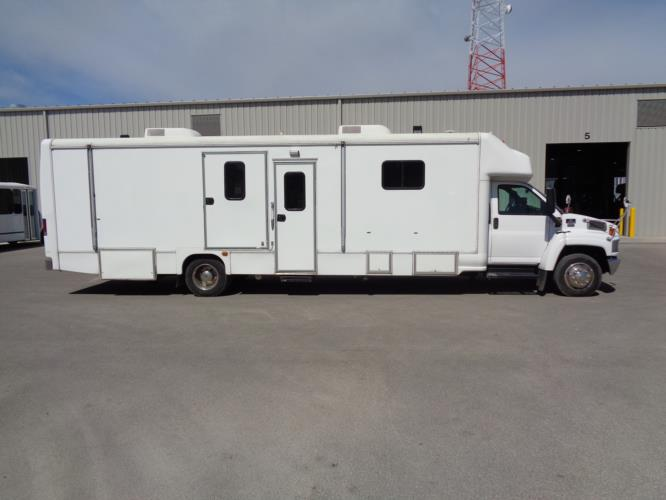 2006 Mobile Dental Clinic Chevrolet C5500 2 Passenger Specialty Vehicle Driver side exterior front angle-U10064-2