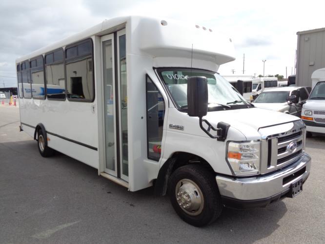 2017 World Trans Ford 25 Passenger Shuttle Bus Passenger side exterior front angle-U10106-1