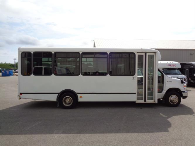 2017 World Trans Ford 25 Passenger Shuttle Bus Driver side exterior front angle-U10106-2