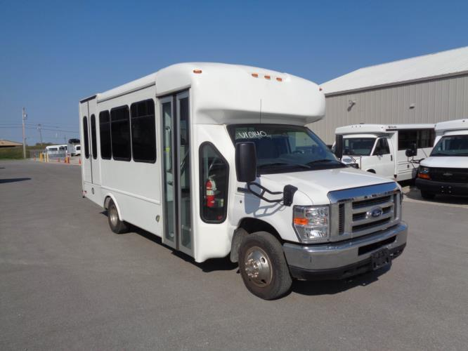 2018 Star Trans Ford 8 Passenger and 4 Wheelchair Shuttle Bus Passenger side exterior front angle-U10140-1