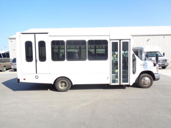 2018 Star Trans Ford 8 Passenger and 4 Wheelchair Shuttle Bus Driver side exterior front angle-U10140-2