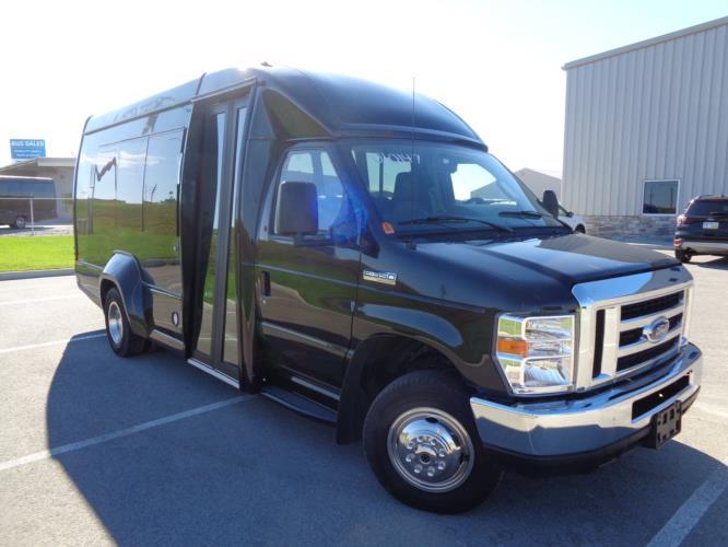 2018 Turtle Top Ford 14 Passenger Shuttle Bus Passenger side exterior front angle-U10147-1