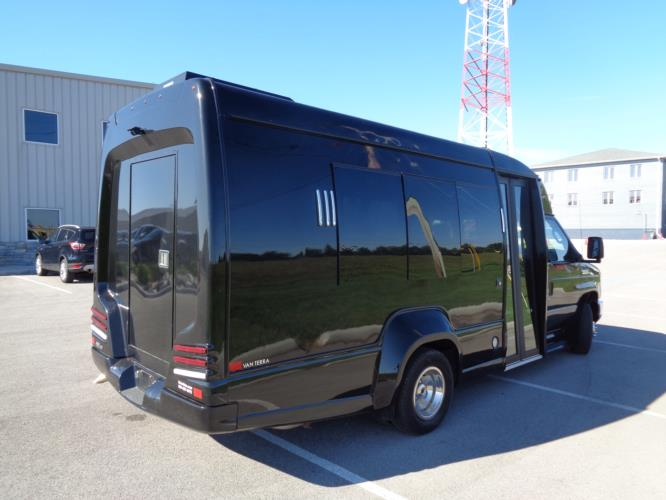 2018 Turtle Top Ford 14 Passenger Shuttle Bus Driver side exterior front angle-U10147-2