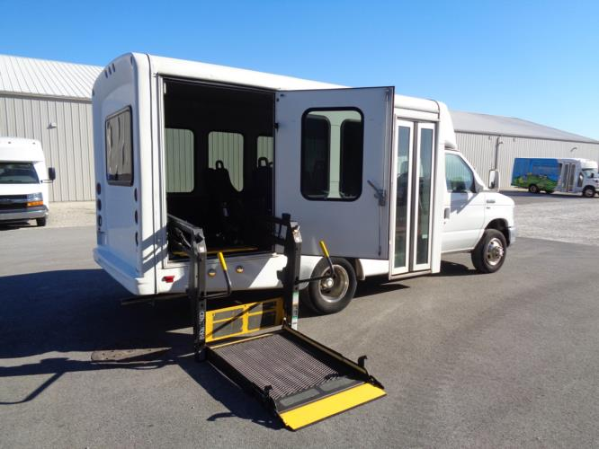 2011 Starcraft Ford 8 Passenger and 2 Wheelchair Shuttle Bus Driver side exterior front angle-U10148-2