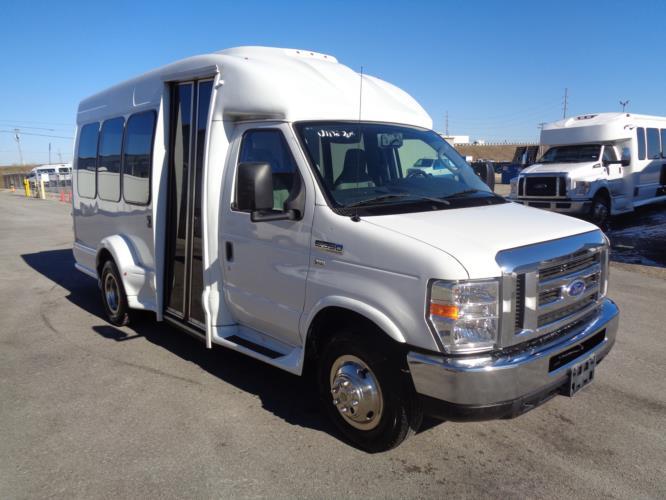 2016 Turtle Top Ford 14 Passenger Shuttle Bus Passenger side exterior front angle-U10276-1