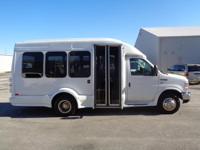 2016 Turtle Top Ford 14 Passenger Shuttle Bus Driver side exterior front angle-U10276-2