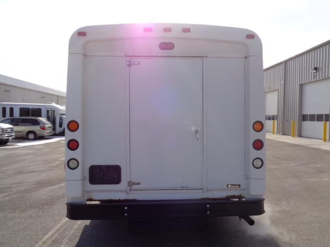 2010 Glaval Ford 21 Passenger Shuttle Bus Driver side exterior front angle-U10299-2