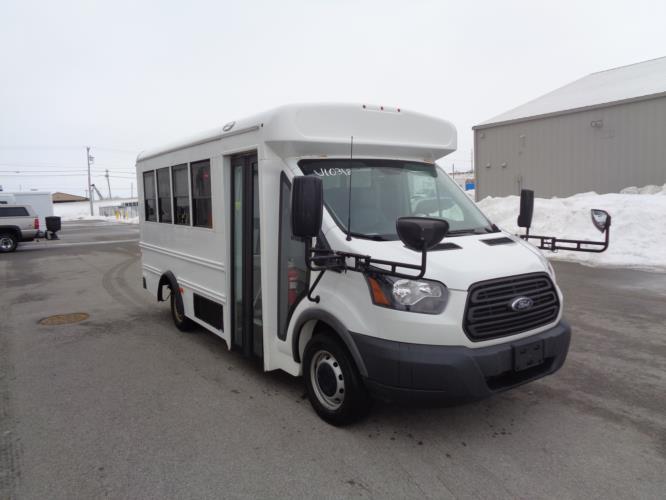 2018 Starcraft Ford 14 Passenger Child Care Bus Passenger side exterior front angle-U10318-1