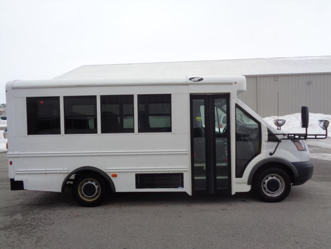2018 Starcraft Ford 14 Passenger Child Care Bus Driver side exterior front angle-U10318-2