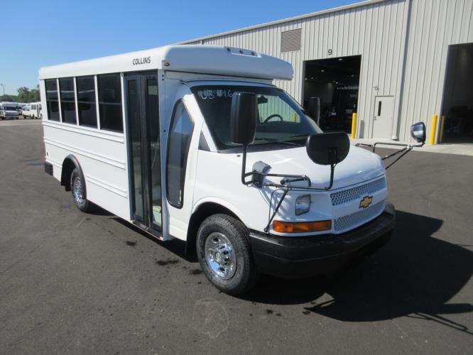 2010 Collins Chevrolet 14 Passenger Child Care Bus Passenger side exterior front angle-U10322-1