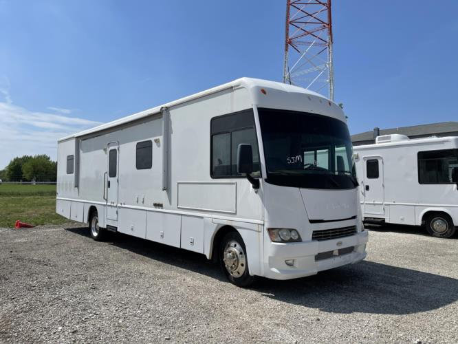 2008 Farber Specialty 1 Passenger Specialty Vehicle Passenger side exterior front angle-U10336-1