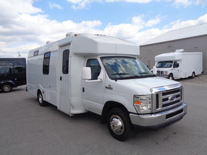 2008 Turtle Top Ford 1 Passenger Specialty Motor Vehicle Passenger side exterior front angle-U10356-1