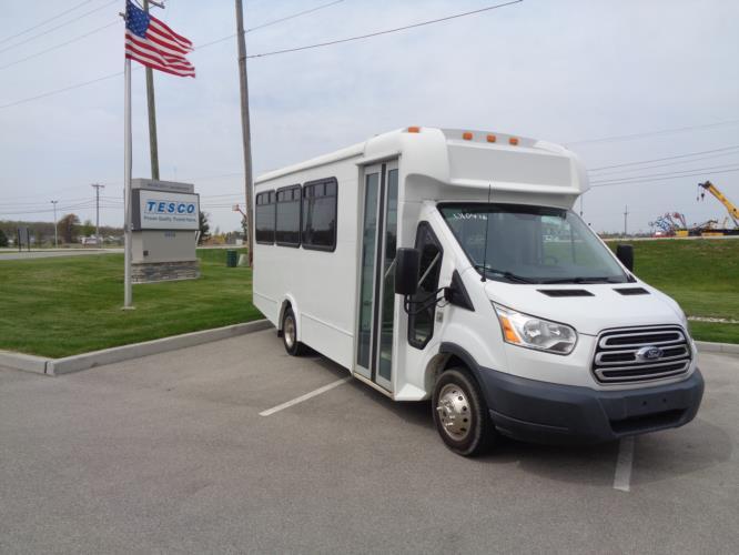 2017 Glaval Ford 14 Passenger Van Passenger side exterior front angle-U10416-1