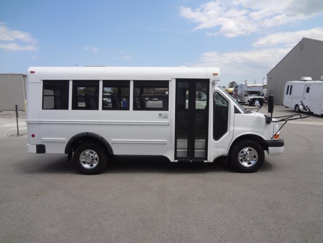 2013 Blue Bird Chevrolet 14 Passenger Child Care Bus Driver side exterior front angle-U10482-2