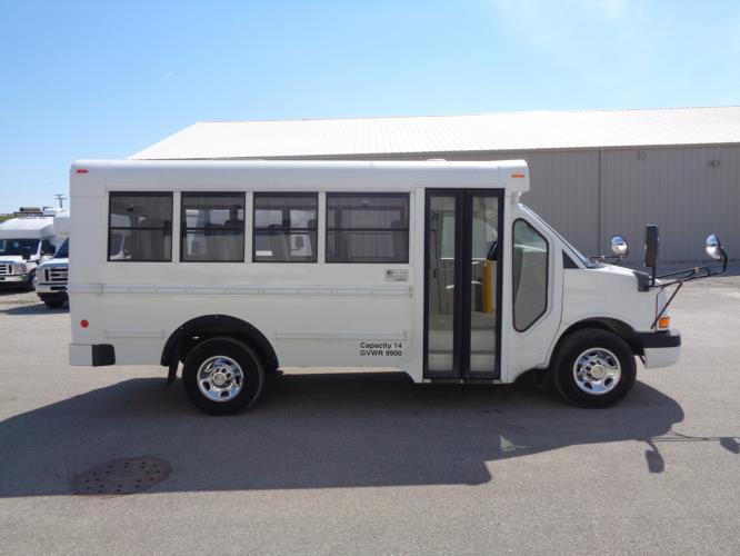 2013 Blue Bird Chevrolet 14 Passenger Child Care Bus Driver side exterior front angle-U10498-2