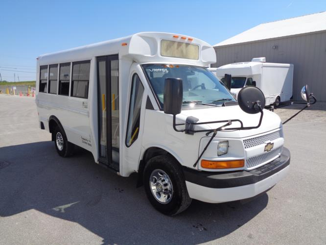 2013 Blue Bird Chevrolet 14 Passenger Child Care Bus Passenger side exterior front angle-U10516-1