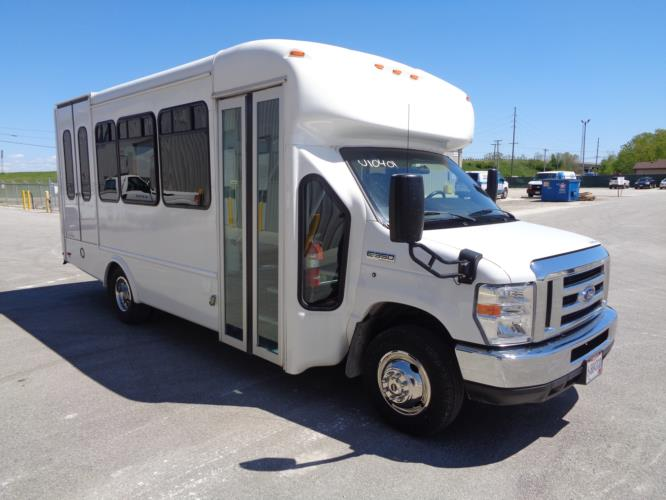 2018 Star Trans Ford 8 Passenger and 4 Wheelchair Shuttle Bus Passenger side exterior front angle-U10631-1