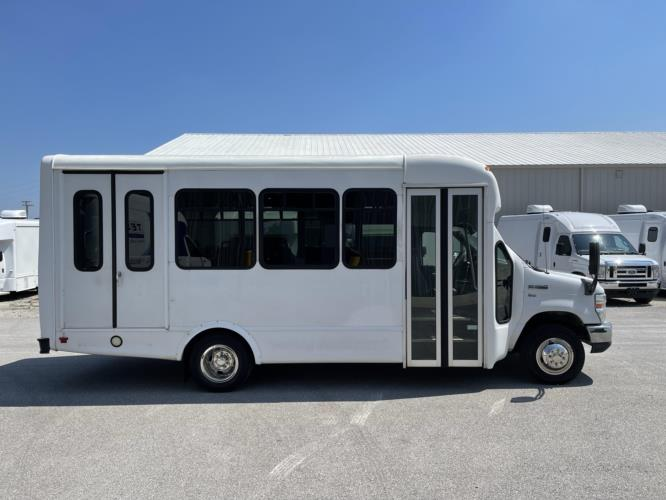 2014 Starcraft Ford 10 Passenger and 2 Wheelchair Shuttle Bus Driver side exterior front angle-U10651-2