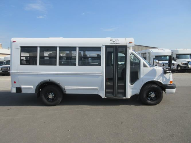 2010 Girardin Chevrolet 14 Passenger Child Care Bus Driver side exterior front angle-U10692-2