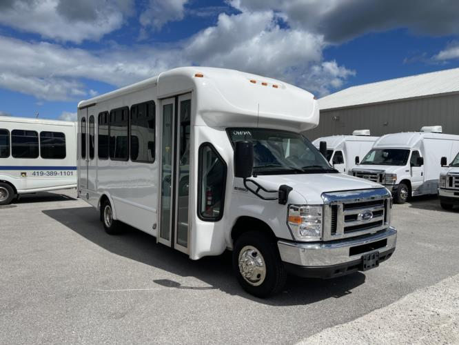 2019 Starcraft Ford 12 Passenger and 2 Wheelchair Shuttle Bus Passenger side exterior front angle-U10711-1