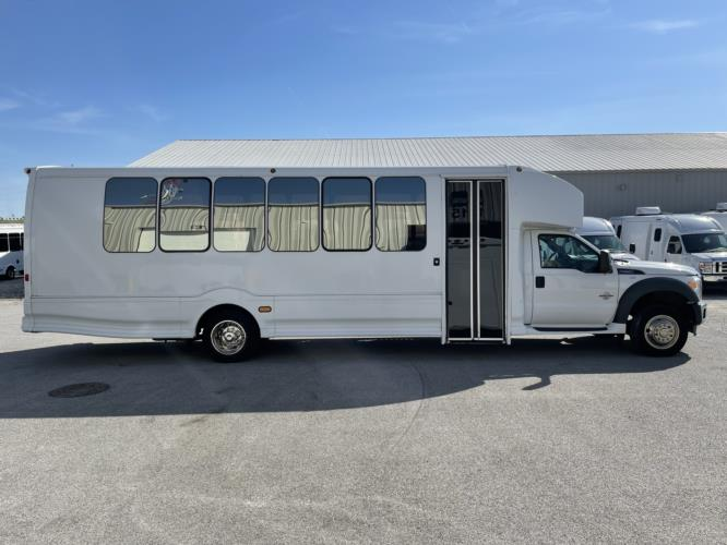 2014 Turtle Top Ford 30 Passenger Shuttle Bus Driver side exterior front angle-U10732-2